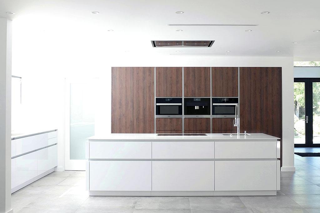 C Channel Contino Kitchen In Woodland Hills Leicht Los